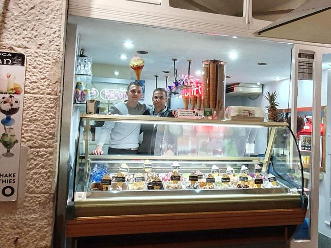 Split'in yerlisi Türk dondurmacı
