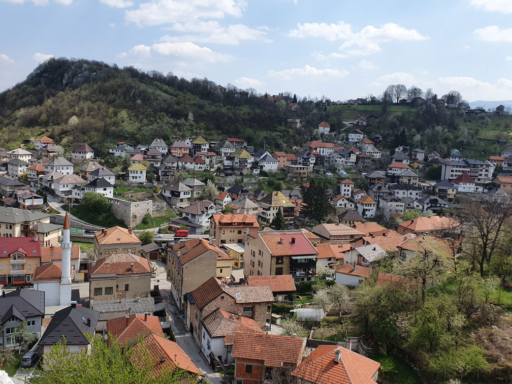Bosna Hersek'te Travnik Kalesi'nden şehir manzarası
