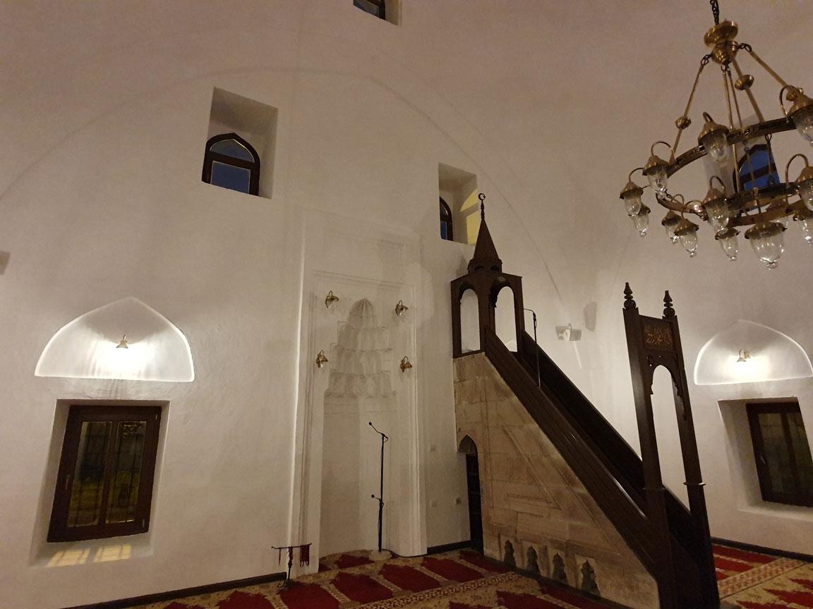 Altun Alem Camii'nin içi