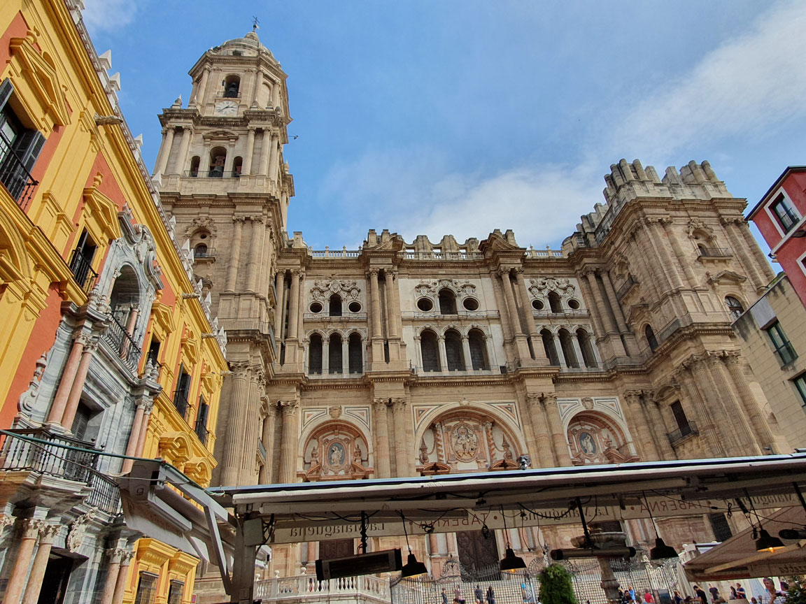 """Malaga Katedrali: """"Tek Kollu Kadın"""""""