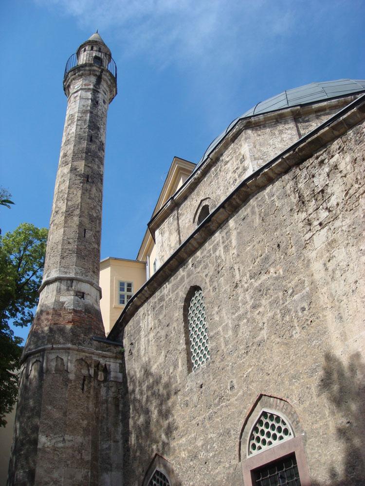 Yakovalı Hasan Paşa Camii