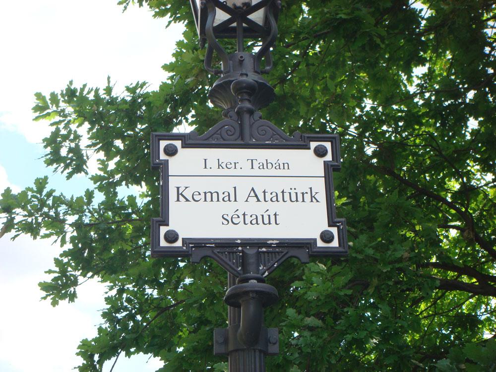 Kemal Atatürk Caddesi
