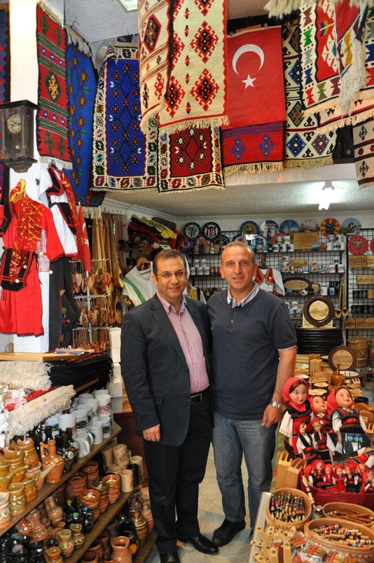 Türk Çarşısı'nda Türk dostu esnaf