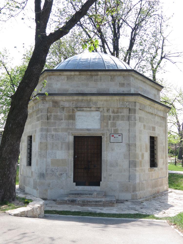 Belgrad Kalesi'nde Damat Ali Paşa Türbesi