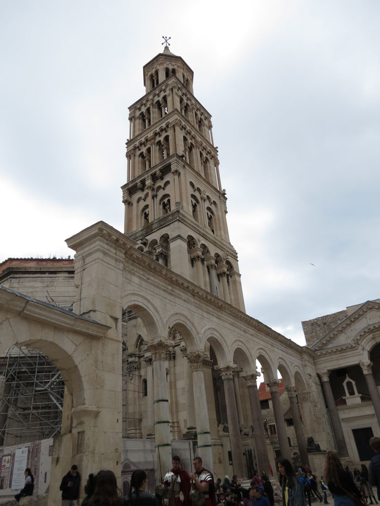 Aziz Domnius Katedrali