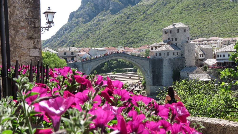 Neretva Nehri üzerindeki gerdanlık: Mostar Köprüsü