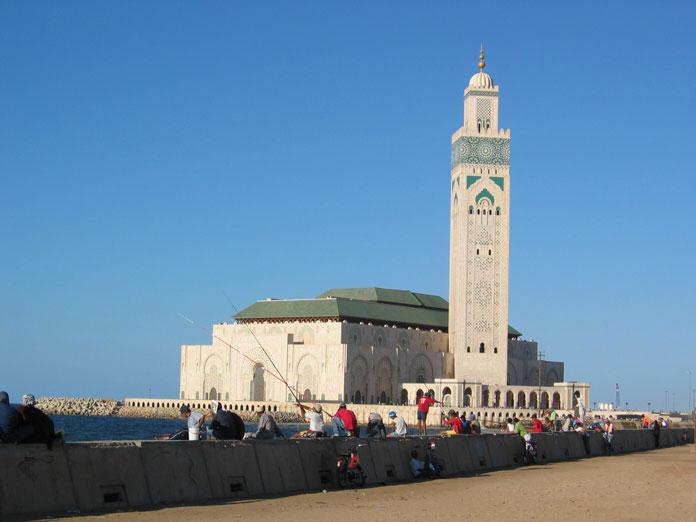 Atlas Okyanusu kıyısında II. Hasan Camii