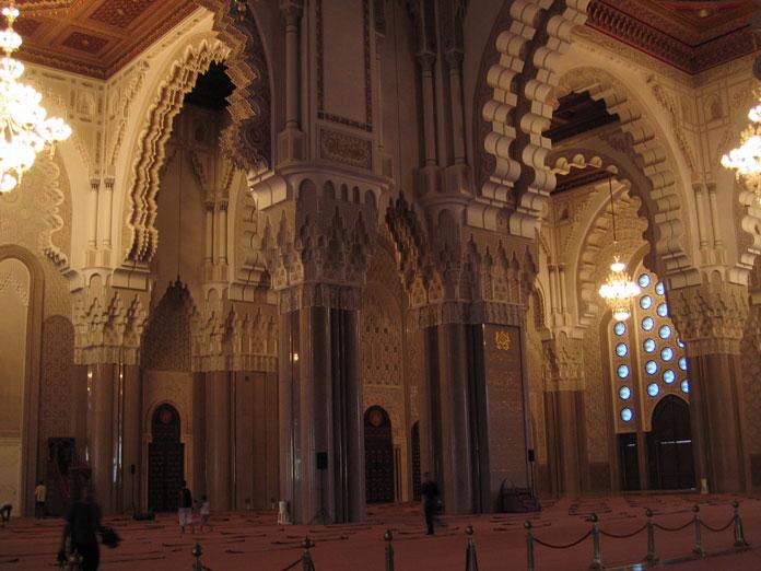 II. Hasan Camii'nin içi