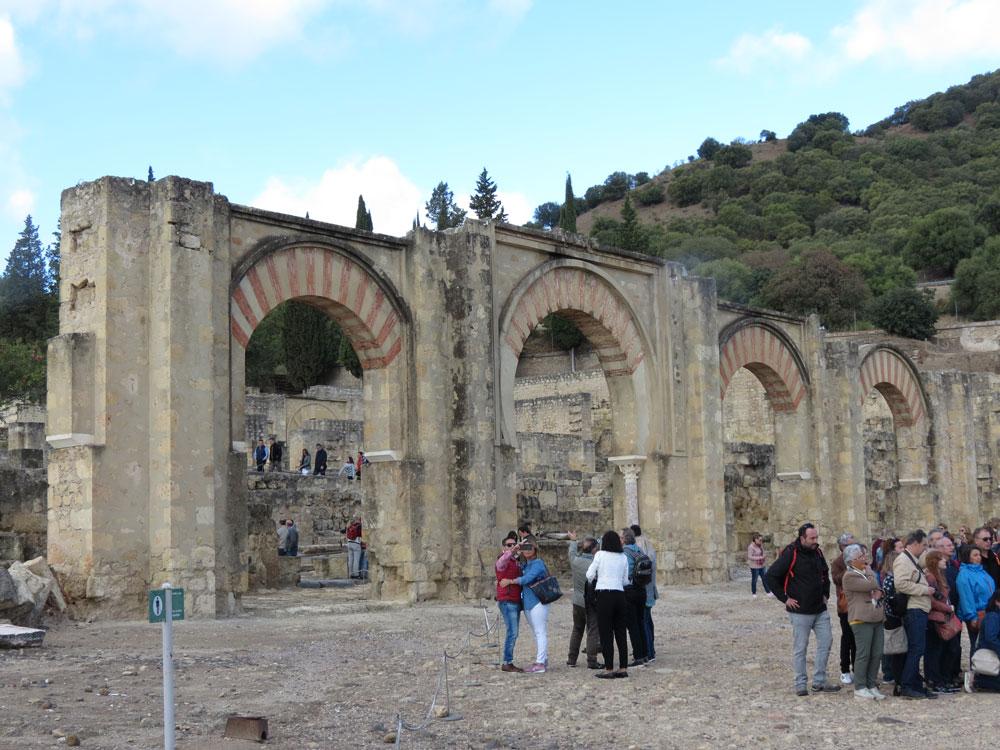 Medinetü'z-Zehra'dan bir başka görünüm