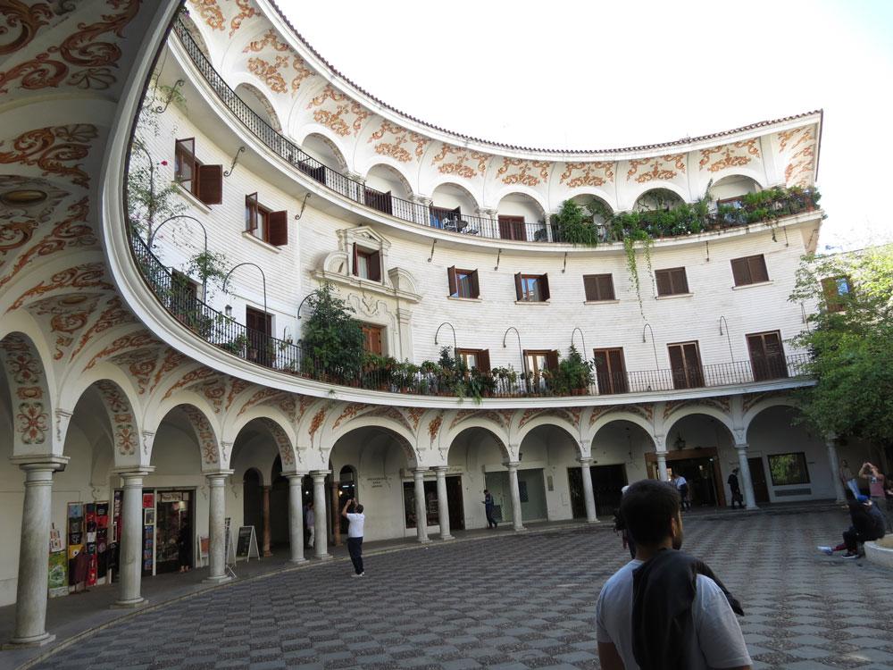 Cabildo Meydanı (Plaza del Cabildo)