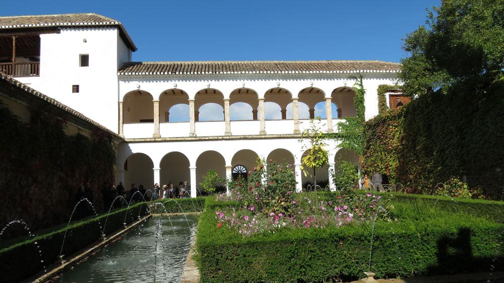 Elhamra Sarayı'nın bahçesi: Generalife