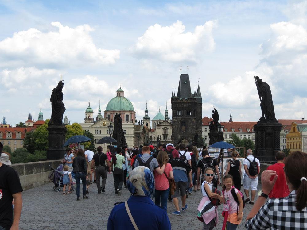 Karl Köprüsü Prag'ın en çok rağbet gören yerlerinden biri...