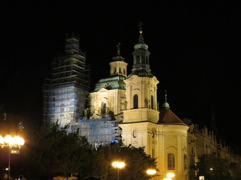 Eski Şehri Meydanı'nda Aziz Nikolas Kilisesi
