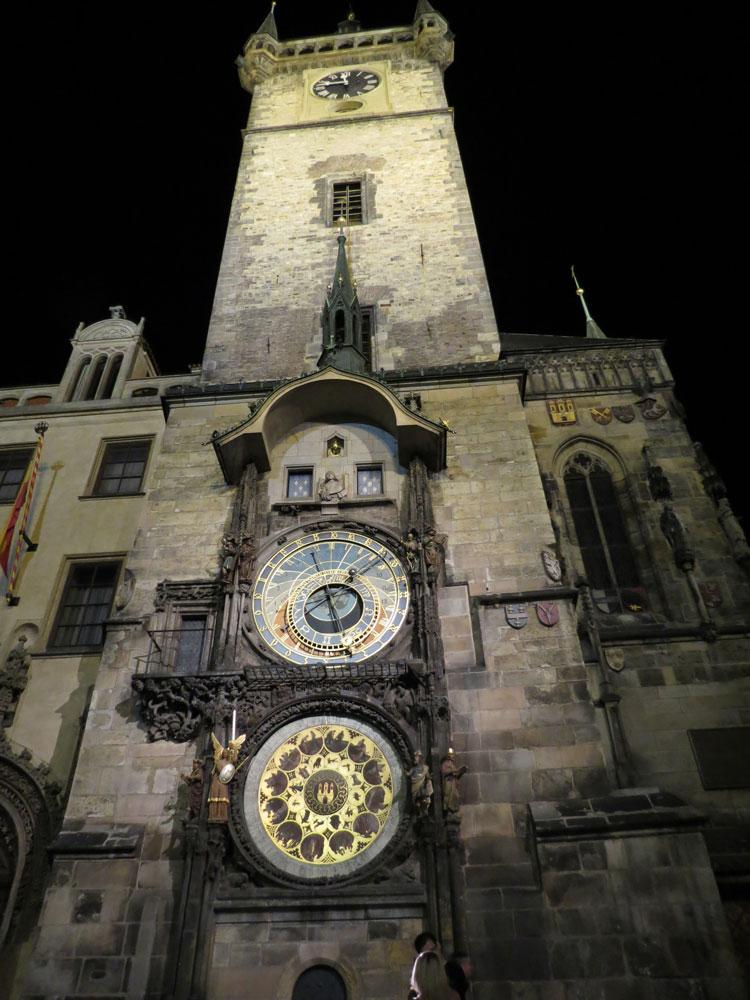 Astronomik Saat'in bulunduğu Eski Belediye Sarayı'nın kulesi