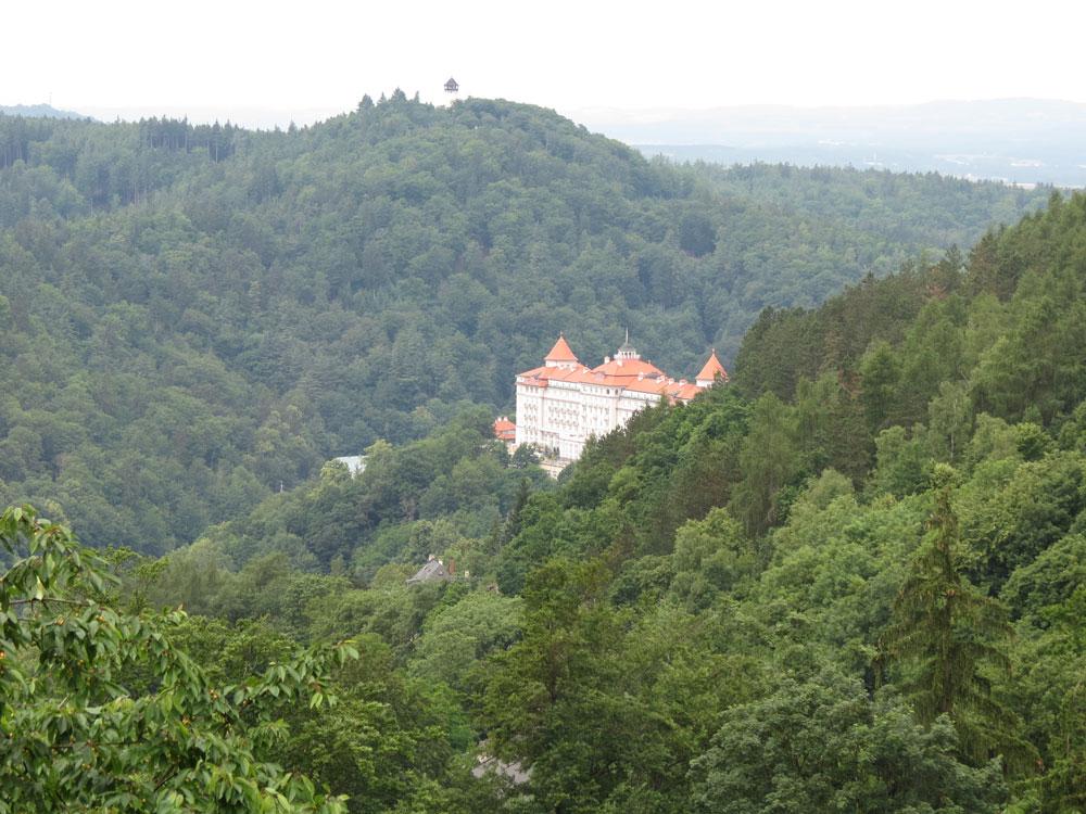 Karlovy Vary'ye girerken bizi karşılayan manzara