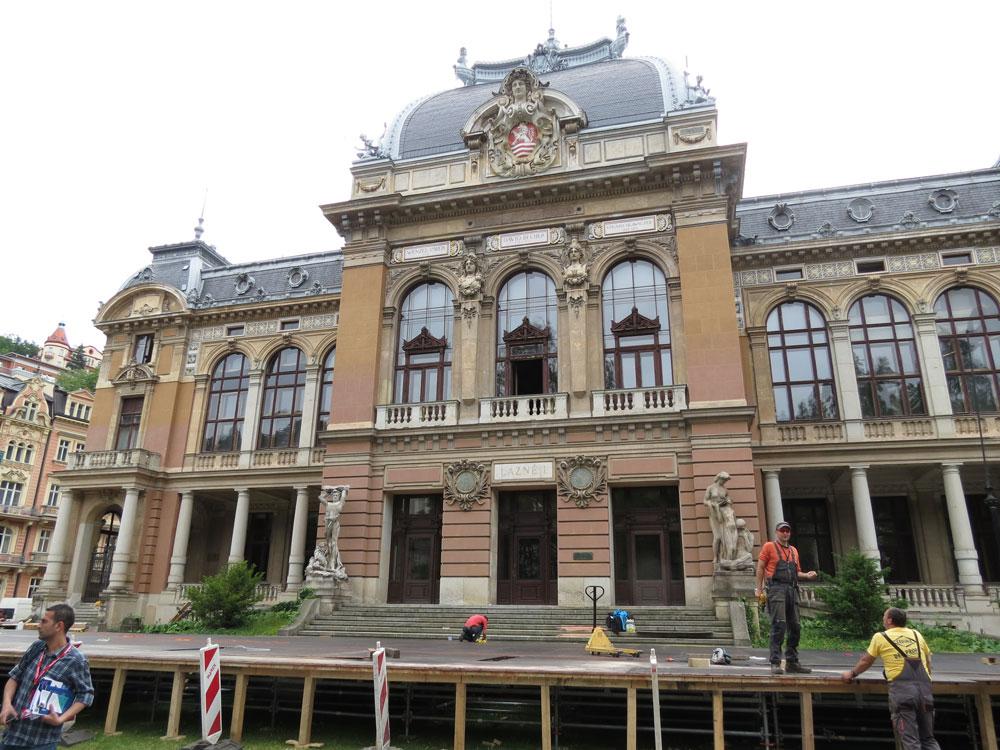 Kraliyet Kaplıcası (Kaiserbad Spa) adlı bu bina Casino Royal sayesinde iyice popüler olmuş