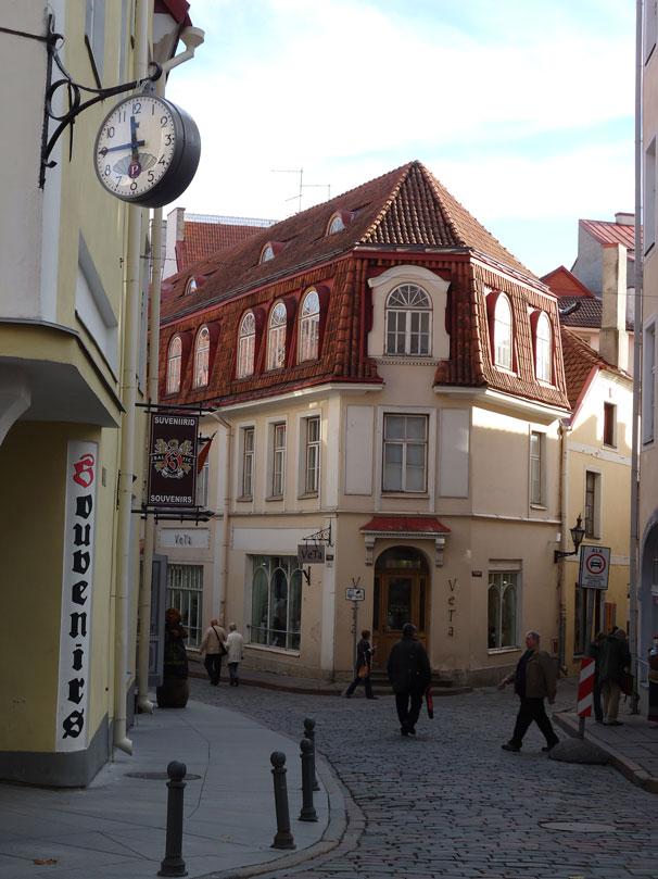 Tallin'in Eski Şehir bölgesinde her köşe ayrı güzel