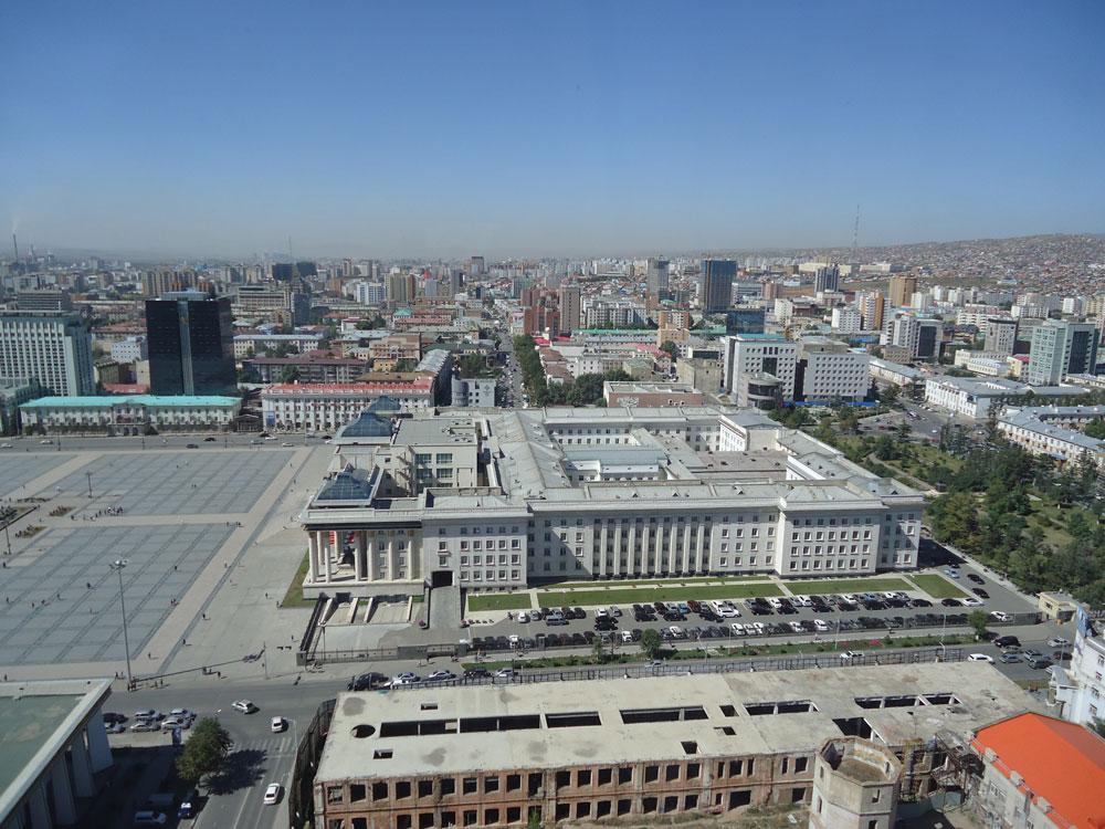 Hükümet Merkezi binası neredeyse bütün devlet kurumlarını bünyesinde bulunduruyor