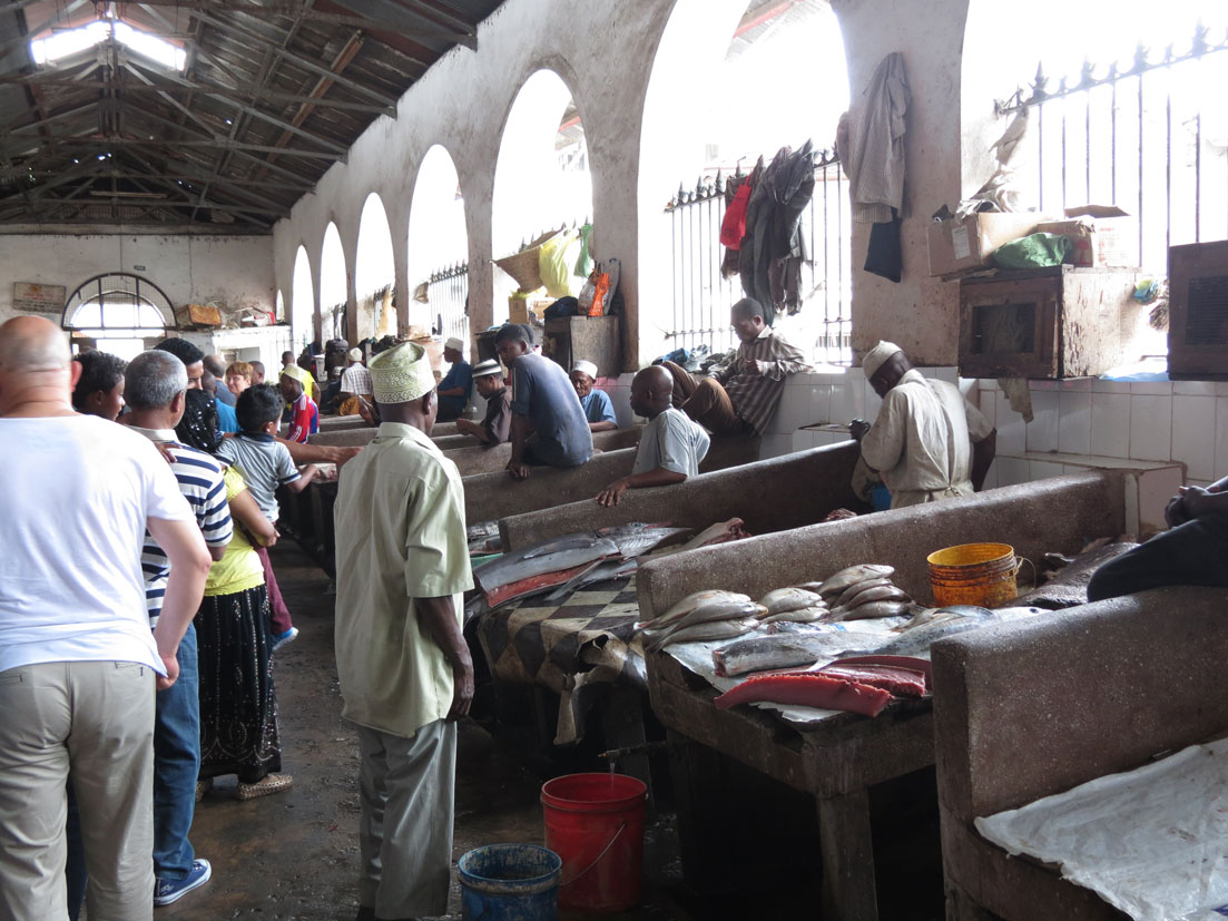 Burası da Zanzibar'daki Darajani Pazarı'nın balık reyonu