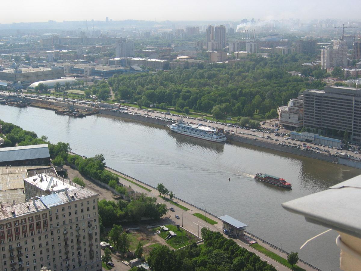 Moskova Nehri taşımacılıkta da yoğun kullanılıyor