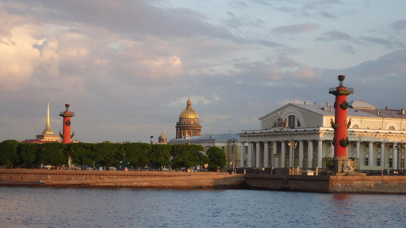 Bir St. Petersburg manzarası