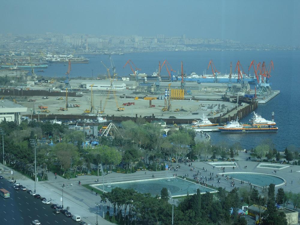 Neftçiler Prospekti (Petrolcüler Bulvarı), Bakü Bulvarı ve Liman
