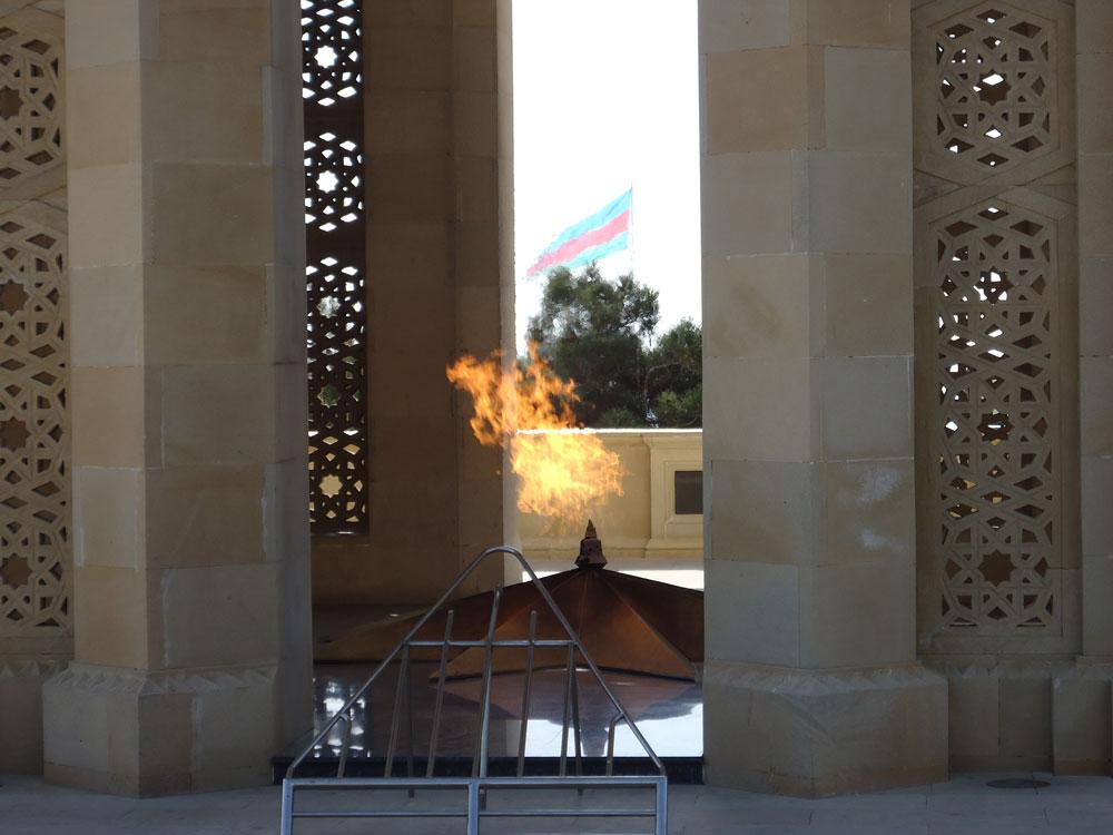 Şehitler Hıyabanı'nda yanan Ebedi Ateş