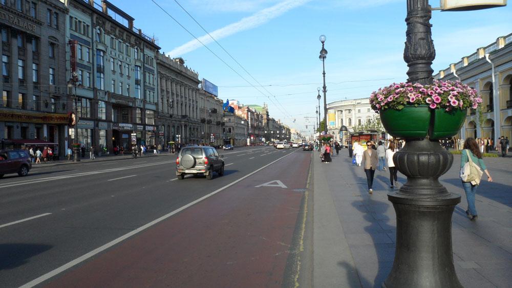 St. Petersburg'un meşhur Nevski Caddesi