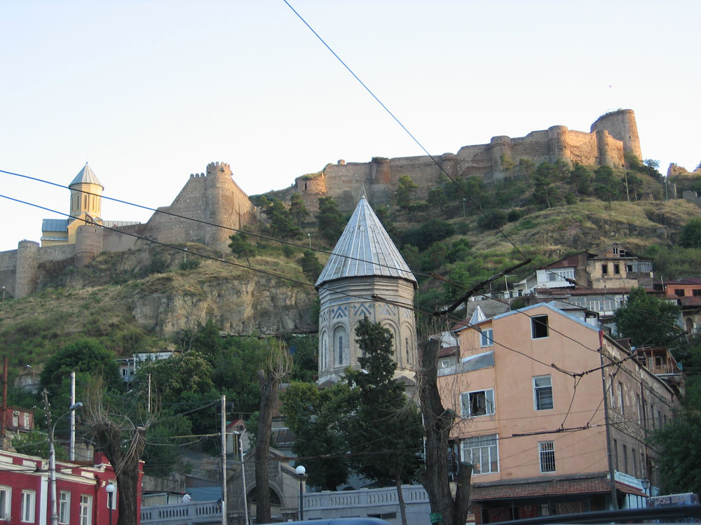 Eski Tiflis'ten Narikala Kalesi'ne bakış