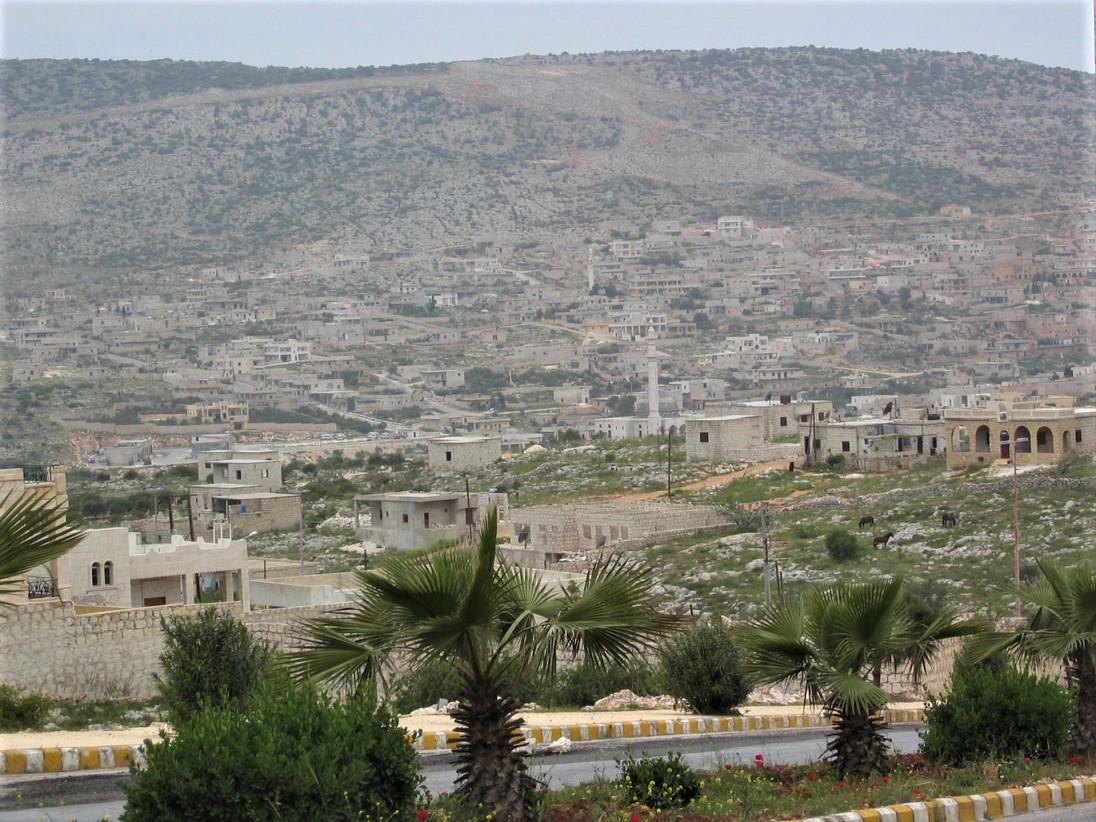 Halep'in girişinde yol boyu manzarası