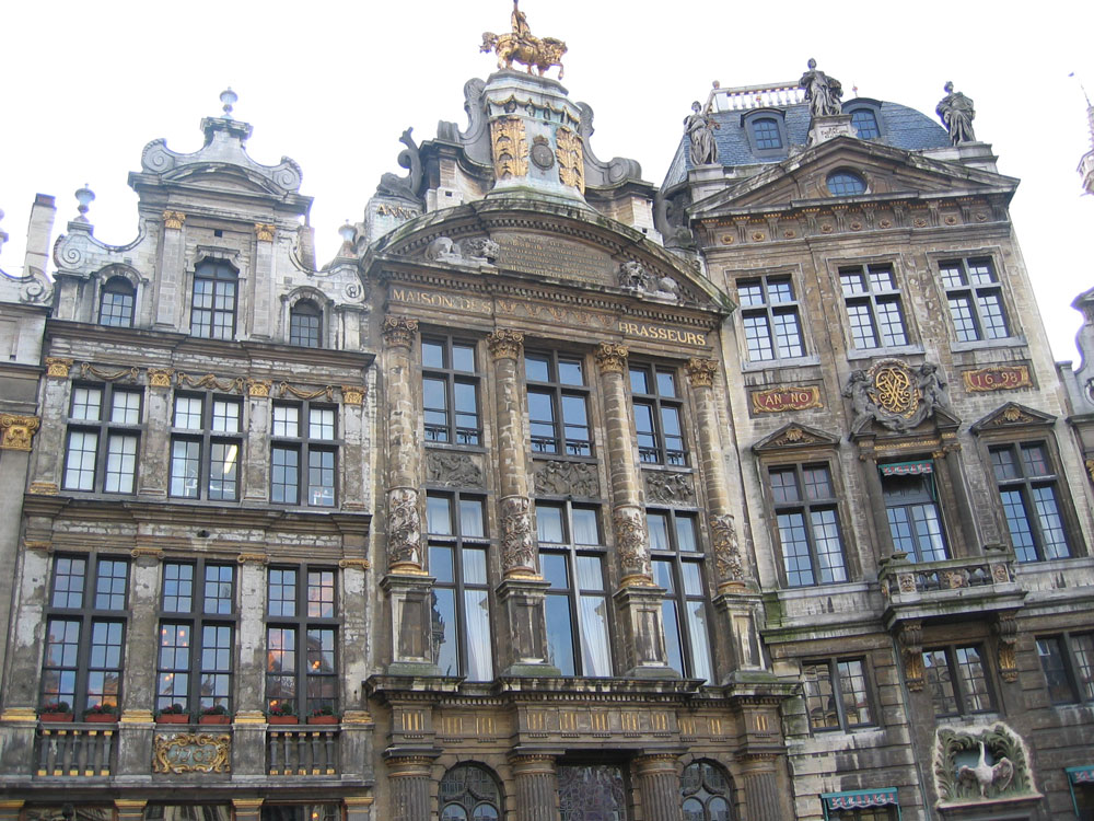 Brüksel'deki Büyük Meydan'dan bir köşe