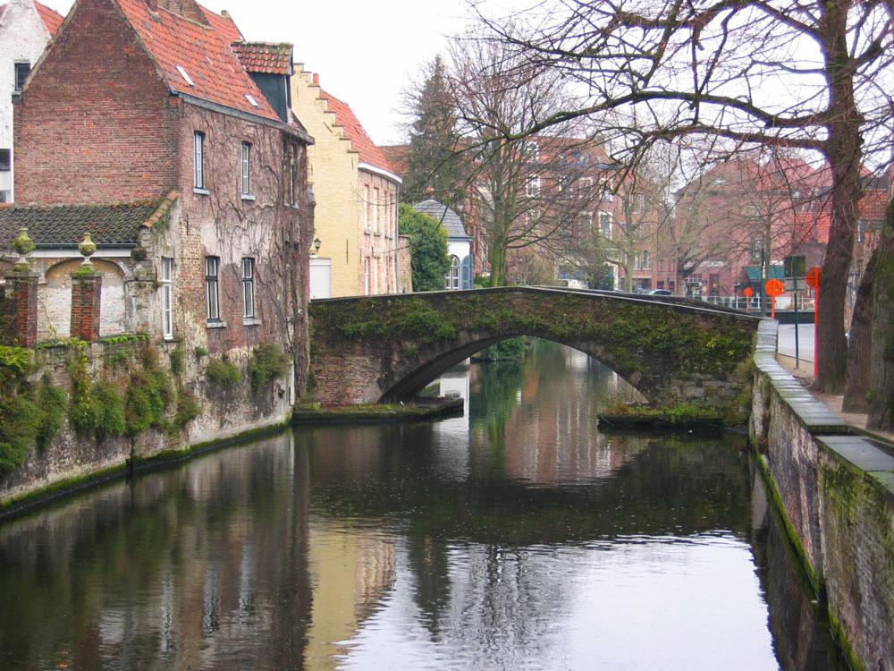 """Kanallar dolayısıyla Brugge """"Kuzeyin Venedik'i"""" diye anılıyor"""