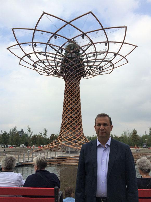 Her EXPO'da olduğu gibi Milano EXPO'sunun da bir kulesi var.