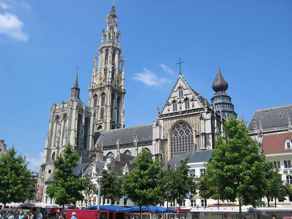 Anvers'in Meryem Ana Katedrali