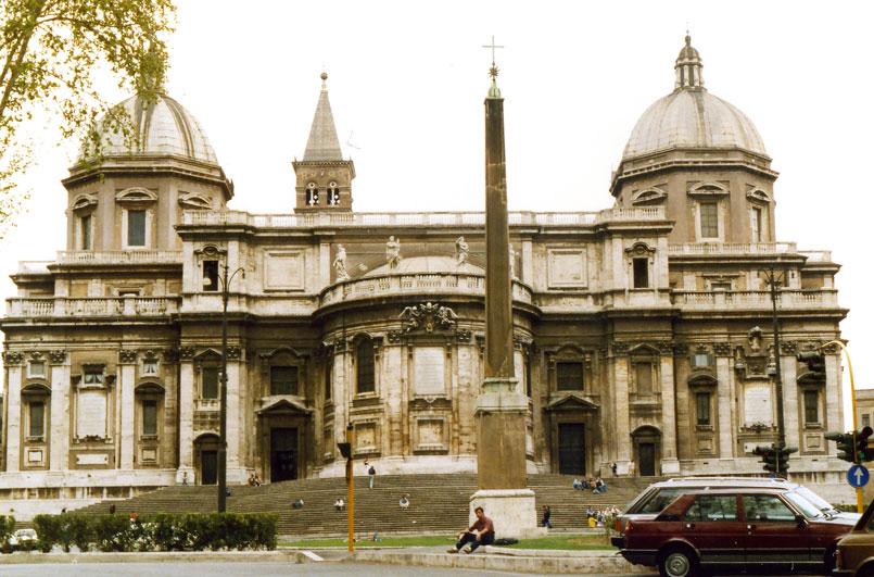 Esquilino Meydanı ve Azize Meryem Kilisesi