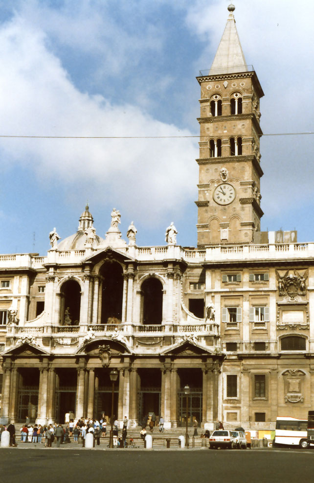 Roma'da adım başı bir tarihi eser karşılıyor sizi...
