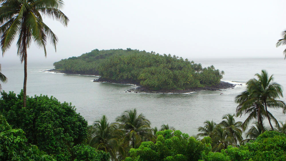 Kraliyet Adası'ndan Şeytan Adası'na bakış