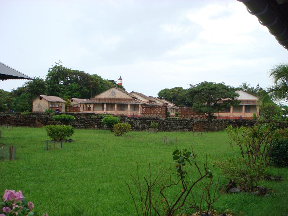 Kurtuluş Adaları'nda şimdi müzeye dönüştürülen binalar