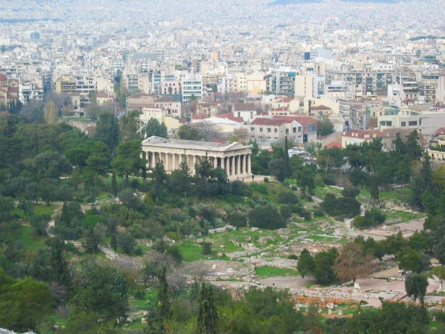 Atina Akropolü'nün eteklerinde bulunan Hephaistos Tapınağı MÖ 449-415 yılları arasında inşa edilmiş.
