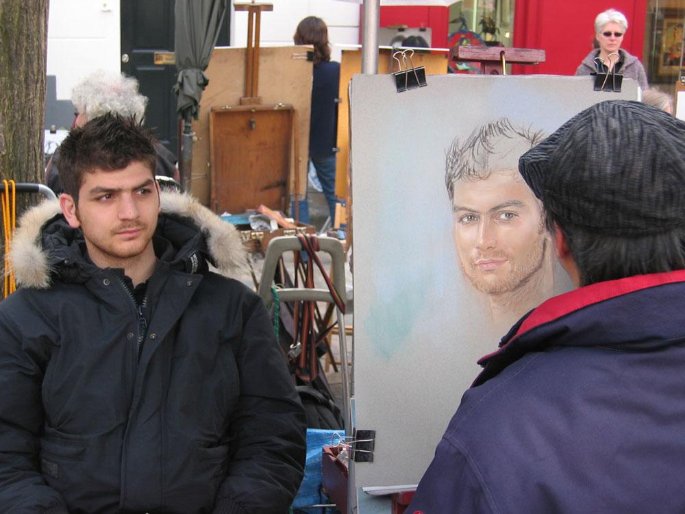 Ressamlar Tepesi'nde kısa sürede resminizi çizdirebilirsiniz