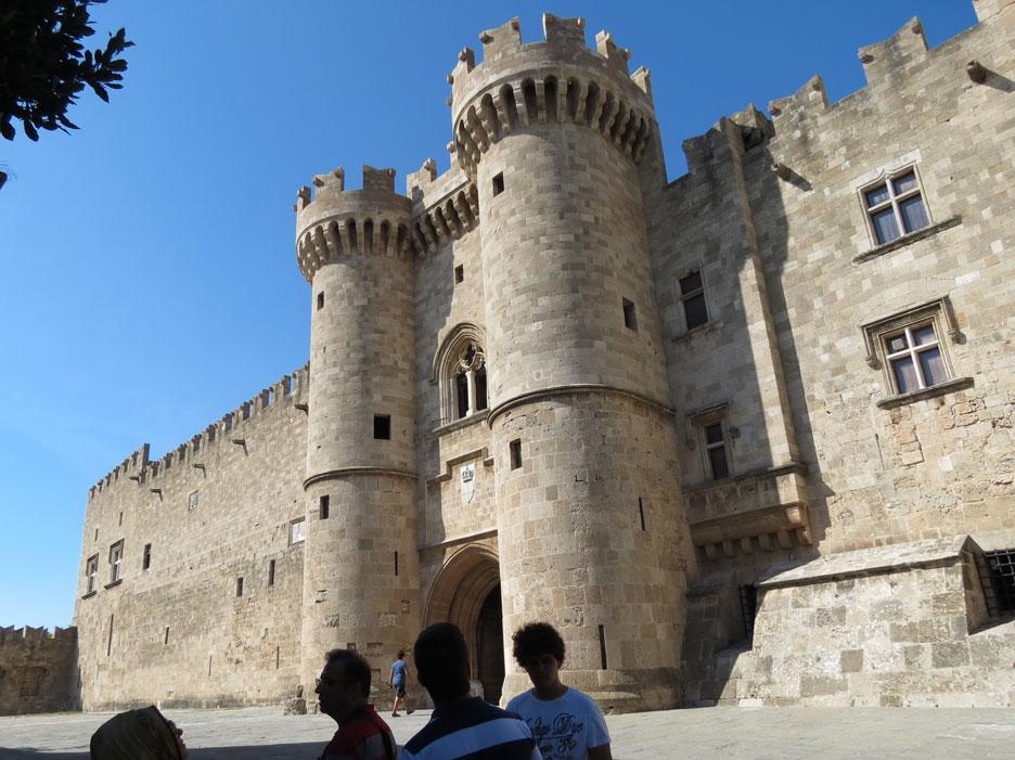 Büyük Üstadlar Sarayı