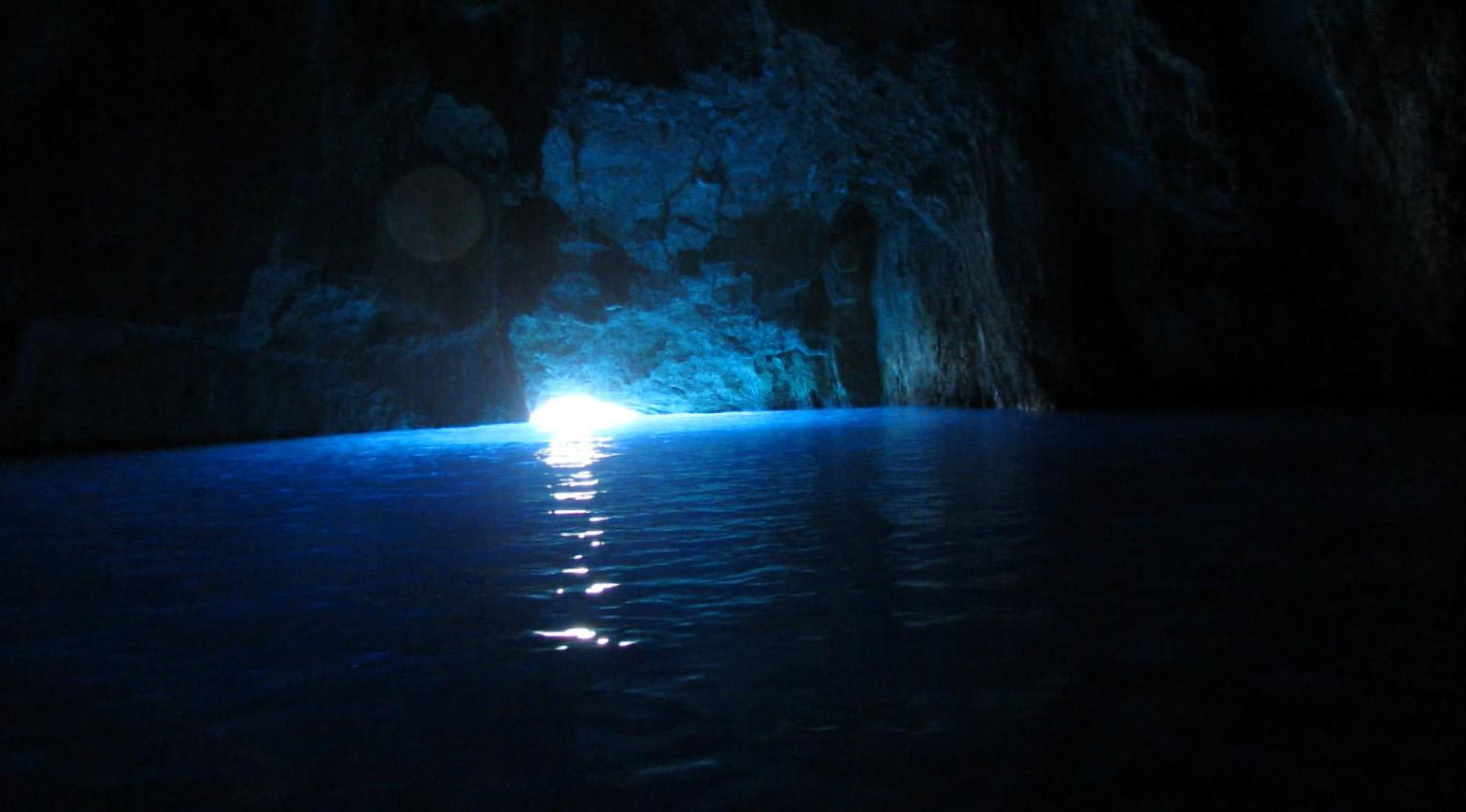 """Mavi Mağara'nın içi. Boşuna """"mavi"""" dememişler..."""
