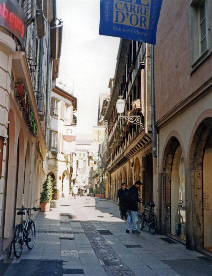 Tarihi bölgeden bir sokak görünümü