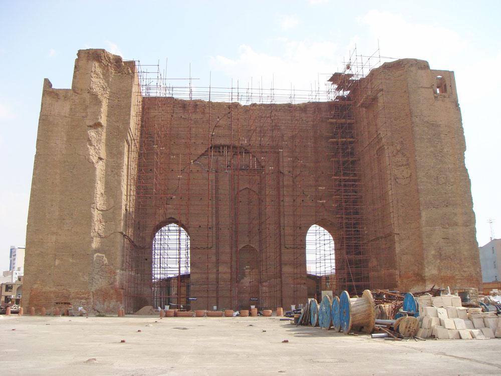 Arg-e Tebriz, yani Tebriz Kalesi bir İlhanlılar dönemi eseri