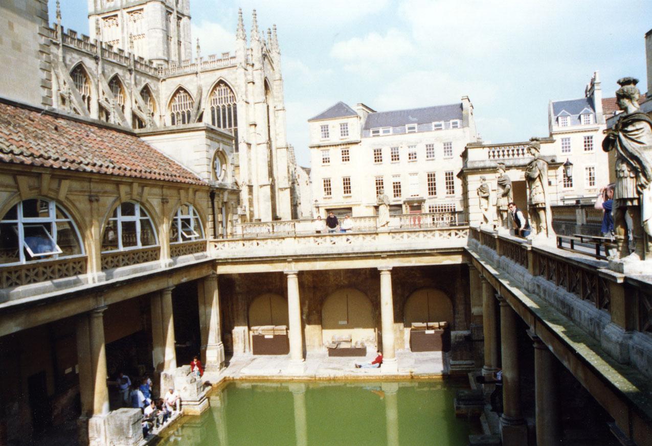Bath şehri, Roma döneminden kalma hamamlarıyla meşhur