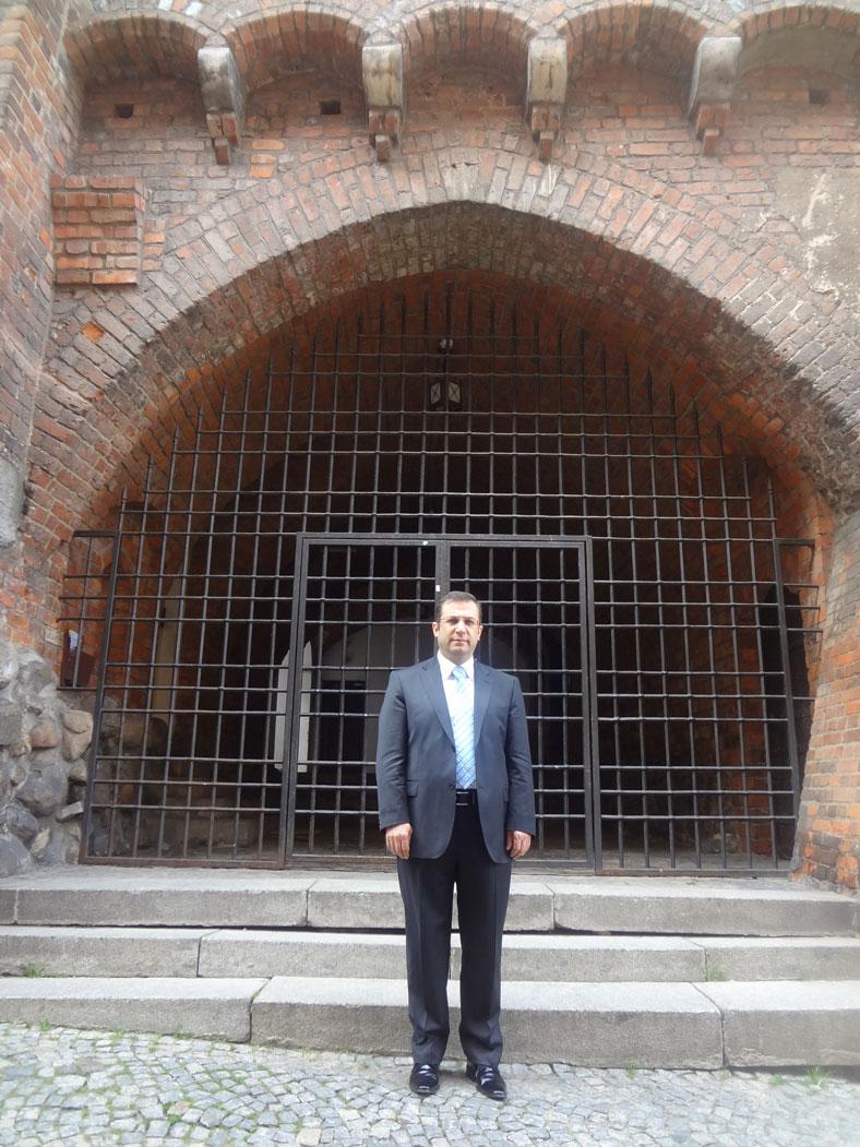 Eski Şehrin surlarındaki ilginç kapılardan biri. Belki de bir zindan kapısı...