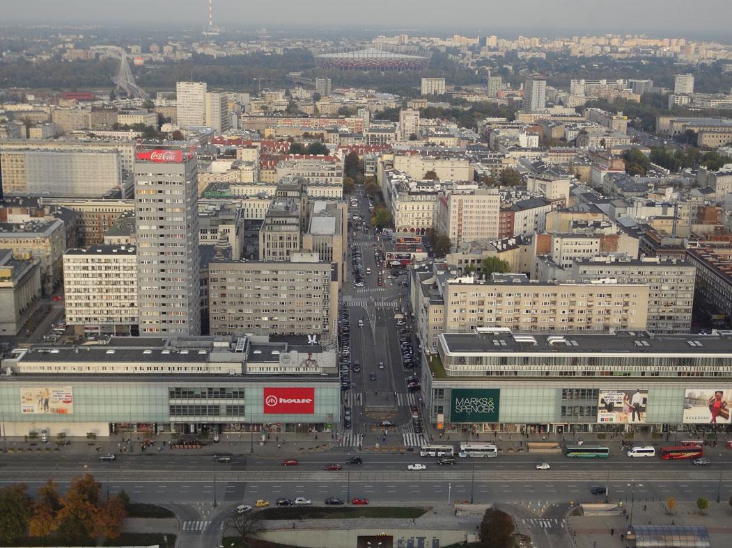 Bilim ve Kültür Sarayı'nın tepesinden Varşova manzarası