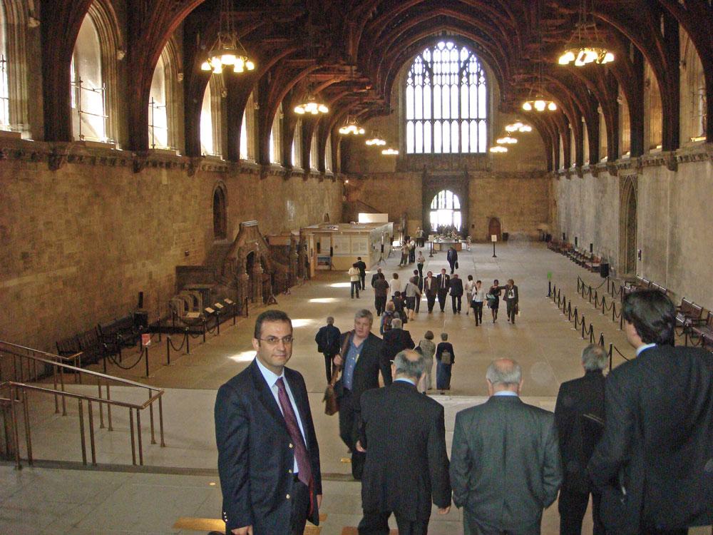 Westminster Sarayı'nın, yani İngiliz Parlamentosu'nun giriş bölümü