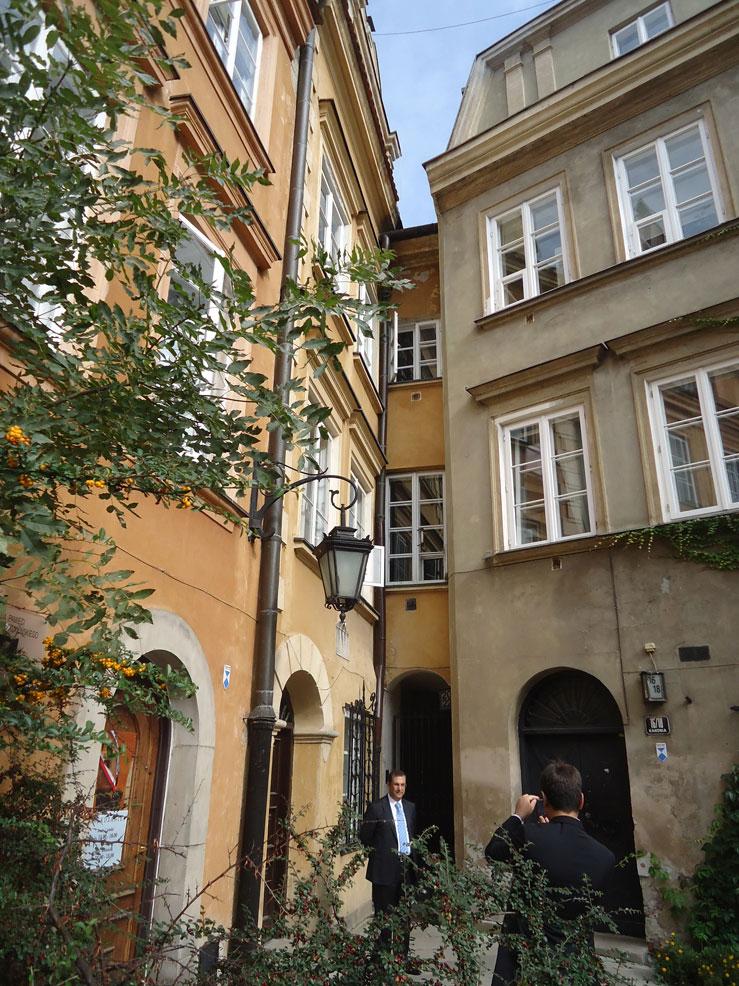 Eski Şehir bölgesinde köşeye sıkışmış bu ev, dünyanın en dar evlerinden biri