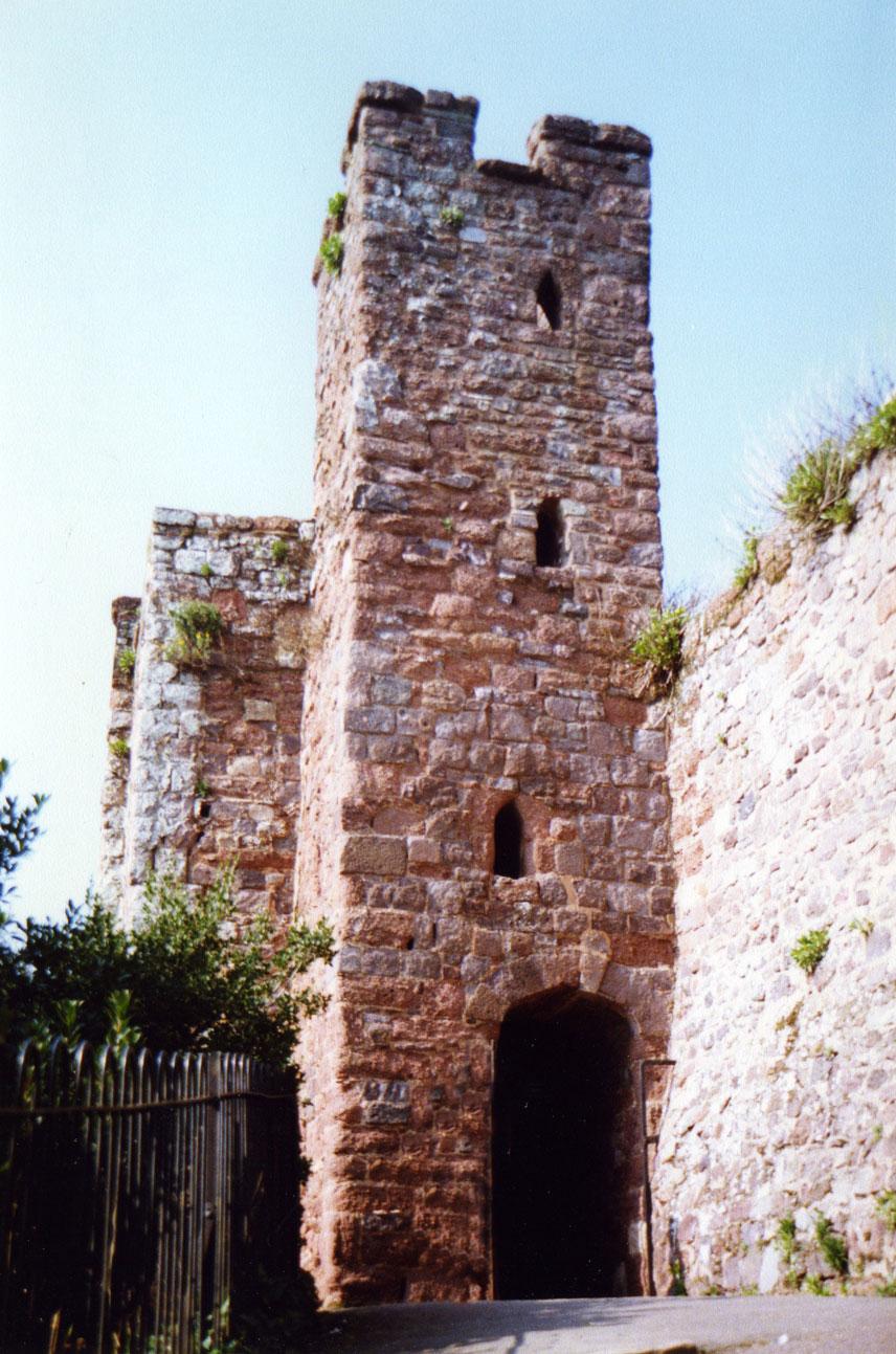 Exeter Kalesi'nden geriye kalanlar